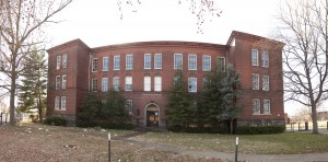 Eliot School Pano - needs straight lines